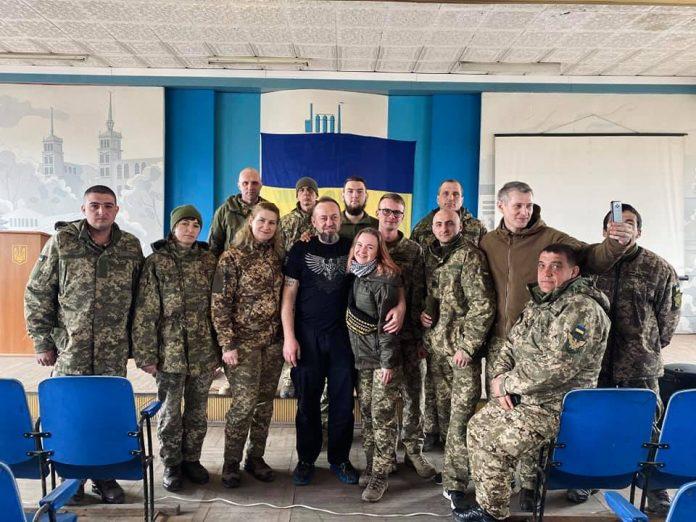 У мотопіхотній Маріупольській бригаді відбулася презентація фільму про оборонців ДАПу