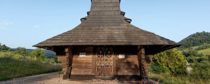 На Закарпатті доступні 3D-тури дерев'яними церквами