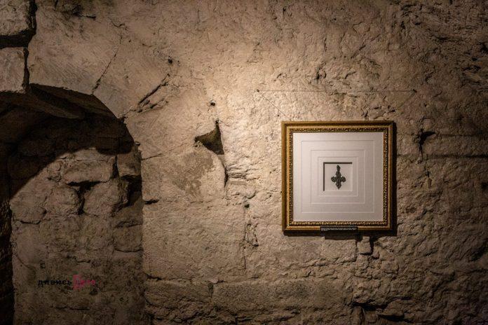 У підземеллі львівського храму показали безцінні християнські реліквії віком понад 800…