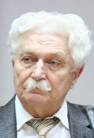 Сьогодні святкує свій ювілей письменник Петро Петрович Кононенко
