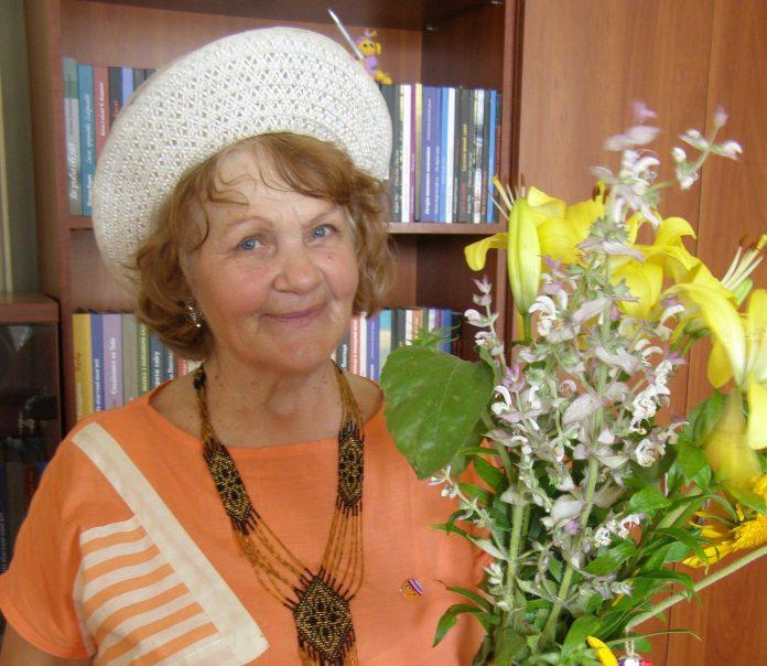 Сьогодні святкує свій ювілей відома українська поетеса Валентина Козак