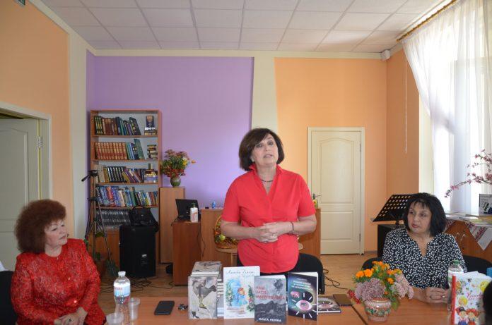 У громадах області відбуваються творчі зустрічі з письменниками Дніпропетровщини